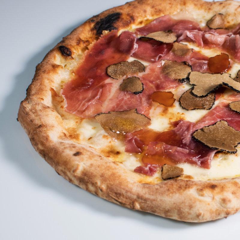 Pizza prsut med